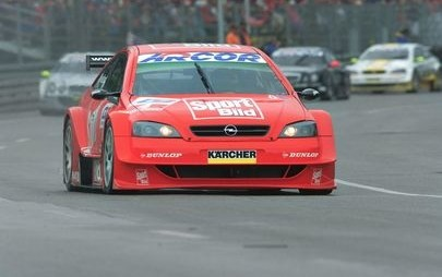 O tempo corre: Joachim Winkelhock celebra 20 Anos na Opel