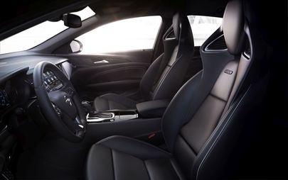 Nova gama Insignia: Opel revela preços e abre encomendas